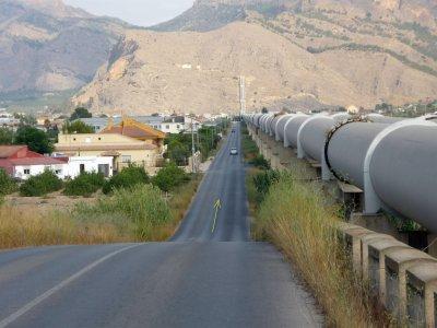 Foto nº5. Vista de la carretera de los tubos desde el puente sobre el ferrocarril. Kilómetro 8,3.