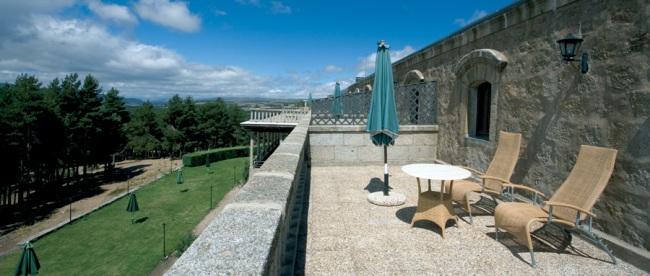 El Parador de Gredos, inaugurado en 1928, fue el primero de la red. Se encuentra dentro del Parque Regional Sierra de Gredos. Foto de parador.es