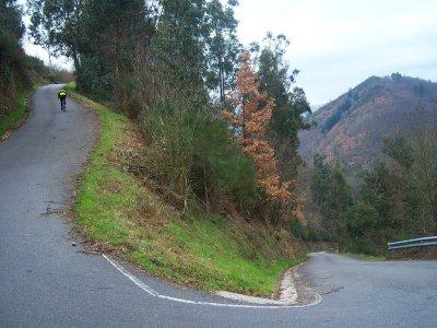Tremendo inicio con las herraduas de La Cogolla. Foto de Javier Avilés.