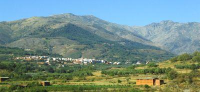 Precioso paisaje de La Vera, viendo Aldeanueva. Foto de Miguel303xm.