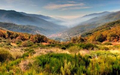 El Valle del Jerte desde el Puerto de Tornavacas. Foto de senderosdeljerte.com.