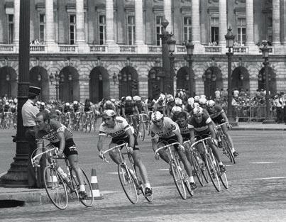 tour 1975 paris