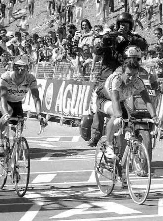 Dietz-Bert-entra-primero-Sierra-Nevada-seguido-Laurent-Jalabert-Vuelta-Espana-1995