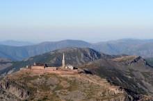 El Santuario de la Peña de Francia, en la misma cima de la montaña.